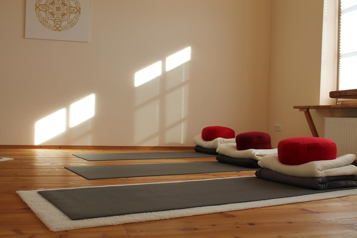 Yogaschule Yogaimpuls Übungsmatten